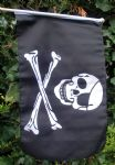HAND WAVING FLAG - Pirate Skull & Crossbones